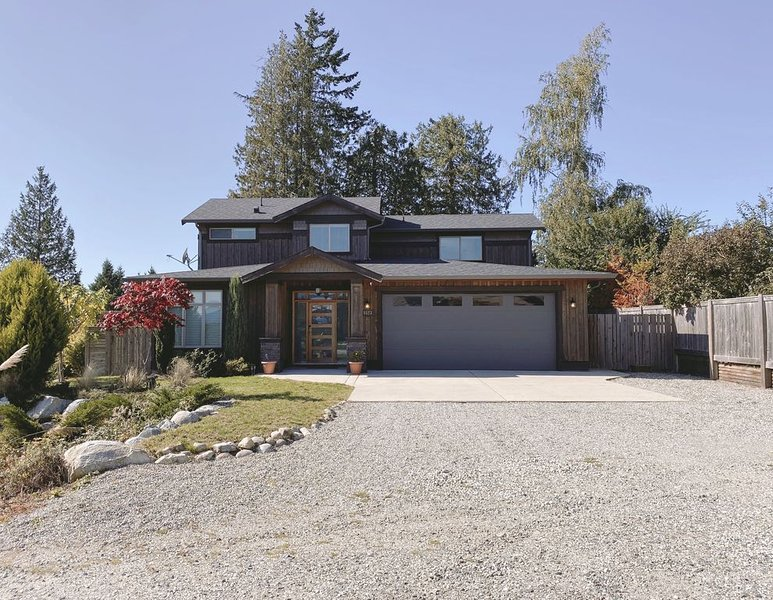 Hygge House -  5 minutes to beach and close to everything, alquiler de vacaciones en Sechelt