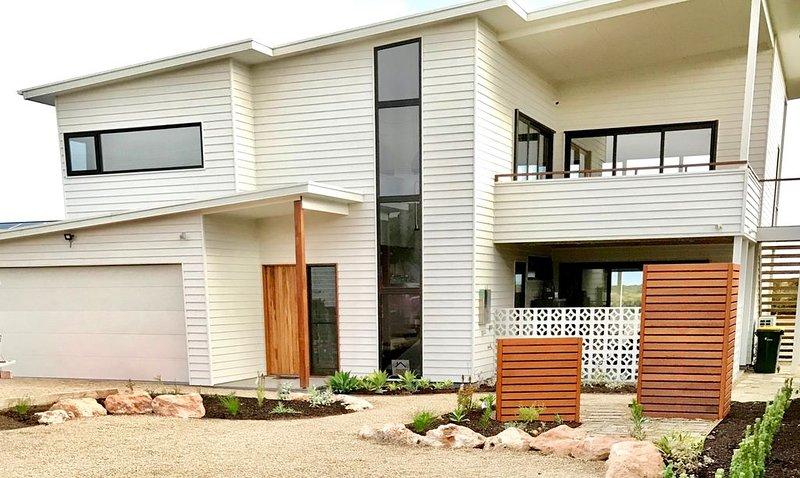 Sea Salt - Resort Style House at Goolwa Beach, holiday rental in Goolwa