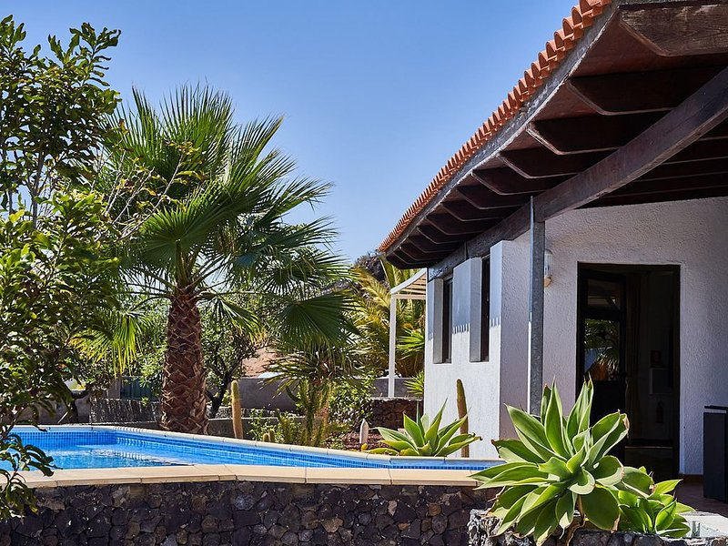 Finca Stemann - Casa Helena, holiday rental in Playa de la Arena