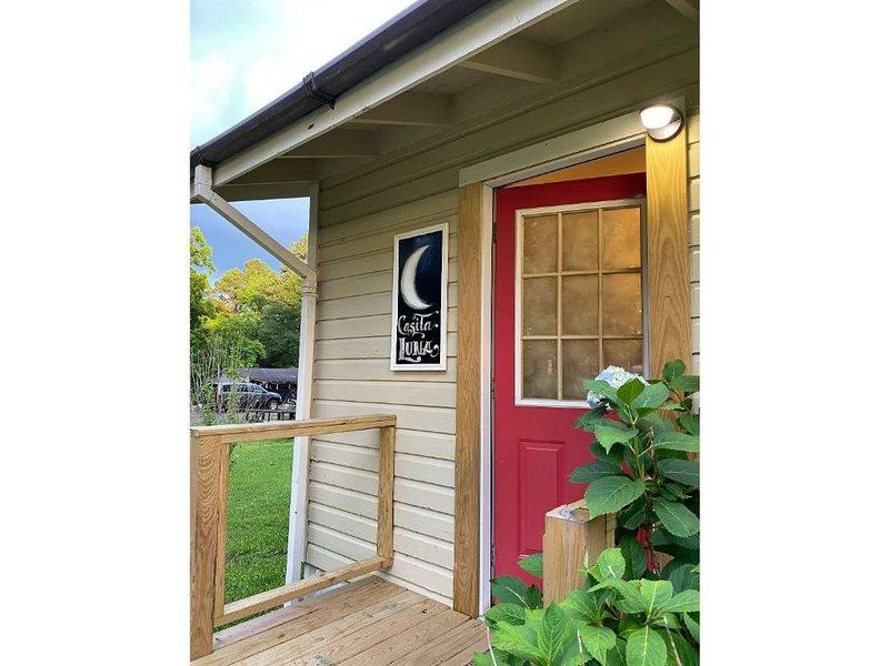 Casita Luna - Hemphill, Texas, holiday rental in Milam