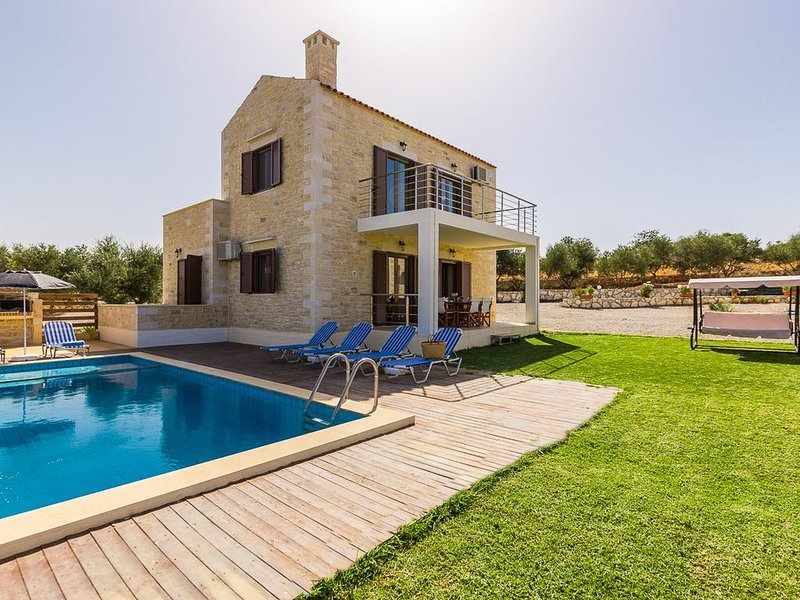 Dimokritos Villa III,Private Pool, 10 meters walking distance to regional tavern, holiday rental in Panormos