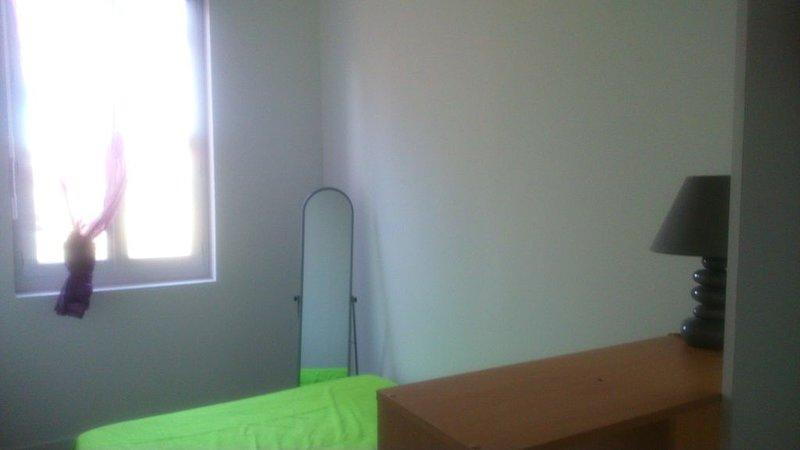 Appartement de centre ville, tout confort et calme ! WIFI et LINGE inclus, vakantiewoning in Medis