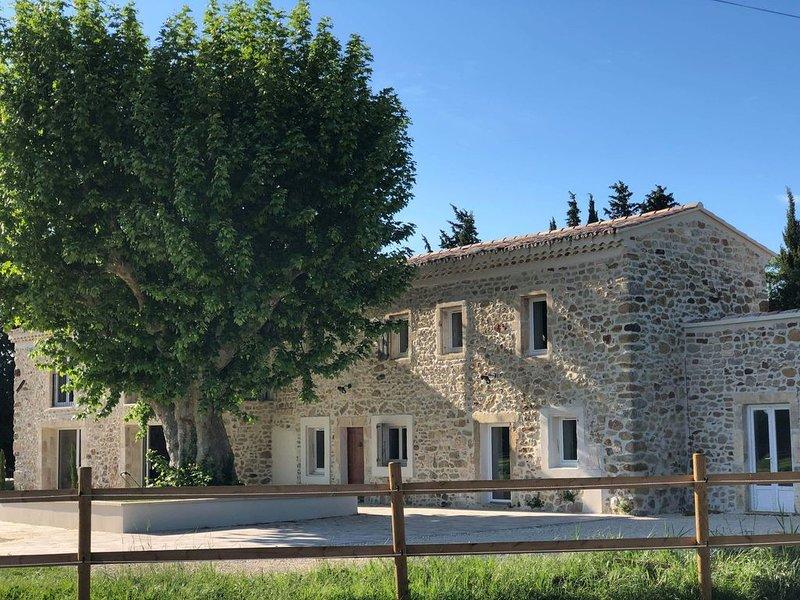 La petite plaine 5 chambres 5sdb, location de vacances à Valaurie