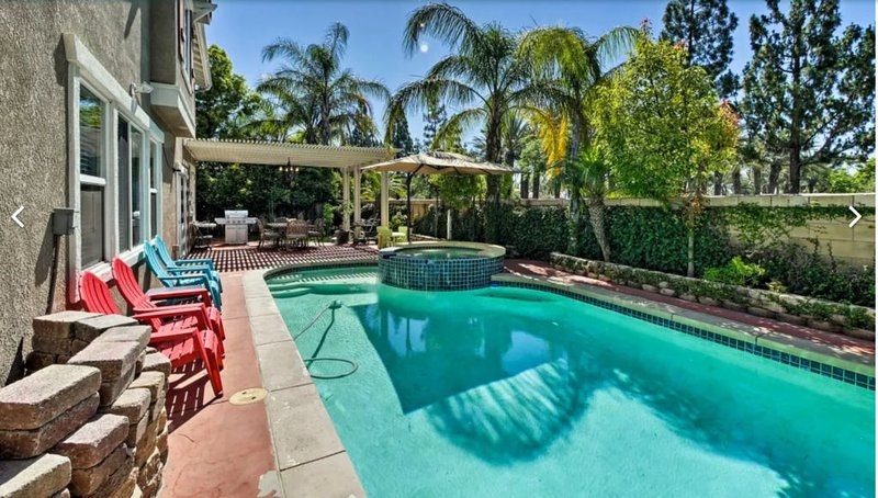 Rancho Cucamonga/LA Family Luxury Home w/ Private Pool & Organic Premium Beds, vacation rental in La Verne