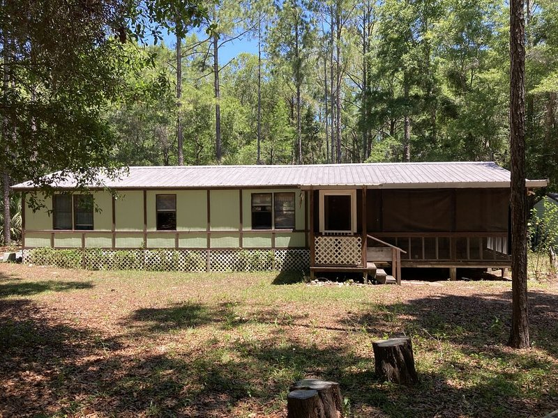 Shady Pine Retreat, holiday rental in Salem