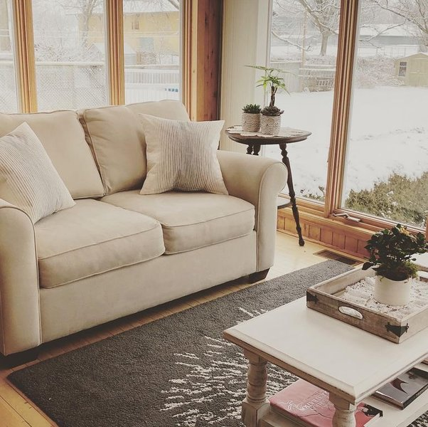 The sunroom on Maple + Sandbanks pass, holiday rental in Waupoos