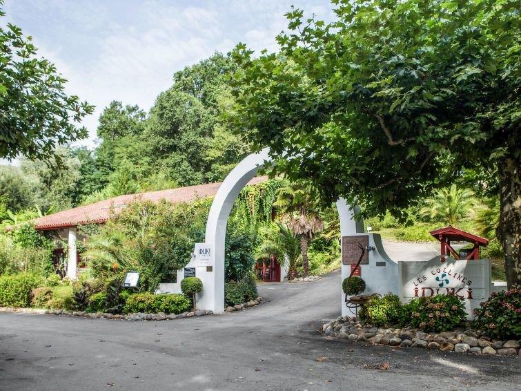 Ferienhaus Collines Iduki (BCL 102) in La Bastide Clairence - 8 Personen, 3 Schl, vacation rental in La Bastide Clairence