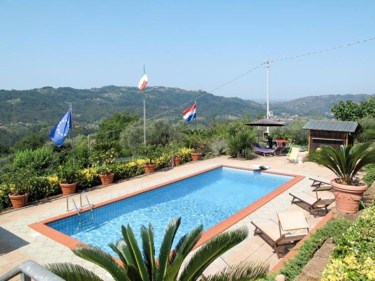 Ferienhaus Bettamauro (CMA118) in Camaiore - 6 Personen, 3 Schlafzimmer, vacation rental in Nocchi