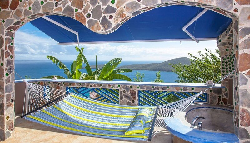 Pica Flors Nest    A Place to Relax! Enjoy the view., holiday rental in Culebra