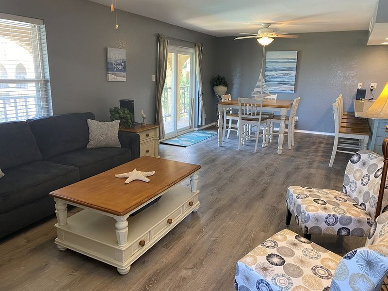 Beach View Condo -North Padre, alquiler de vacaciones en Chapman Ranch