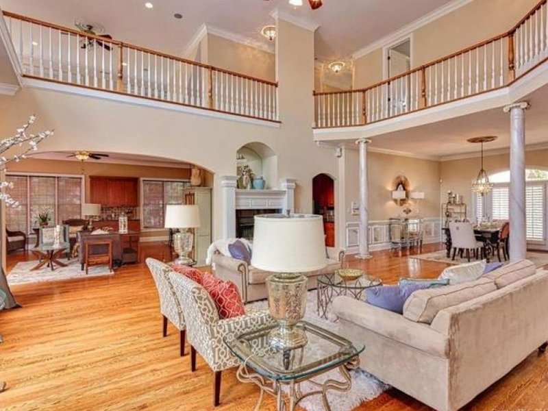 Lake Norman Mansion - Live the Life of Royalty, vacation rental in Mooresville