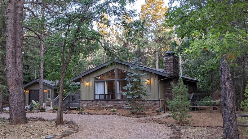 Pinetop Lakes CC Cottage. Great golf couse community, alquiler vacacional en Pinetop-Lakeside