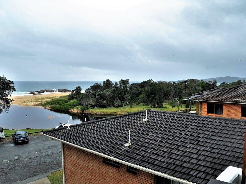 Trial Bay & Ocean Views - Waterford 'Penthouse' #2, holiday rental in South West Rocks