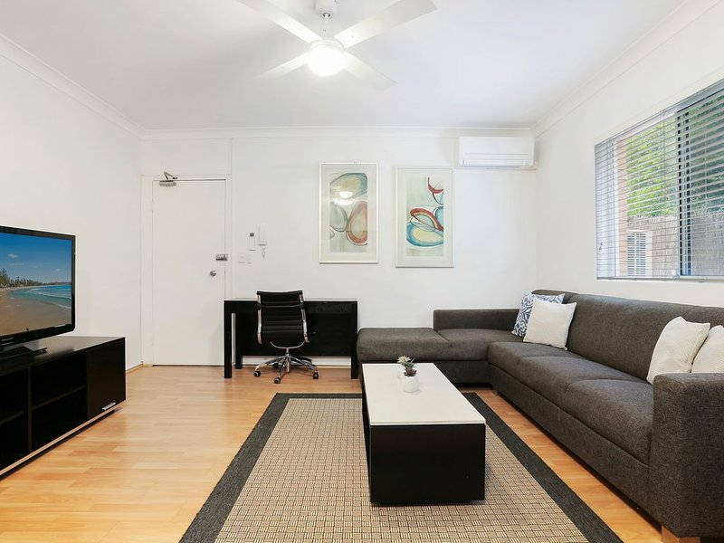 Entire 2 Bedroom apartment near near UNSW & Hospitals, holiday rental in Randwick