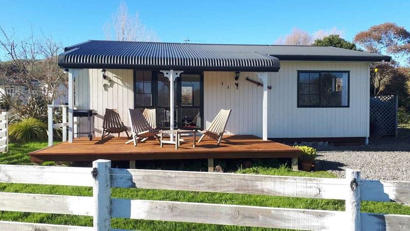 Northfield Farm Cottage, Ferienwohnung in Greytown