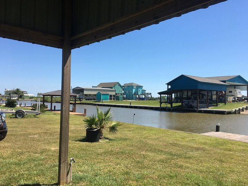 Reel Simple Canal Cabin Sargent, Tx, aluguéis de temporada em Bay City