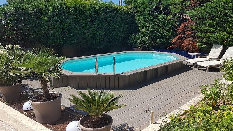 Maison avec piscine au calme proche de Cassis et de ses plages, alquiler vacacional en Roquefort-la-Bedoule