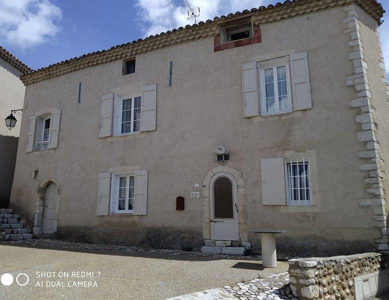 Maison de village - Ste Croix du Verdon, holiday rental in Digne-les-Bains