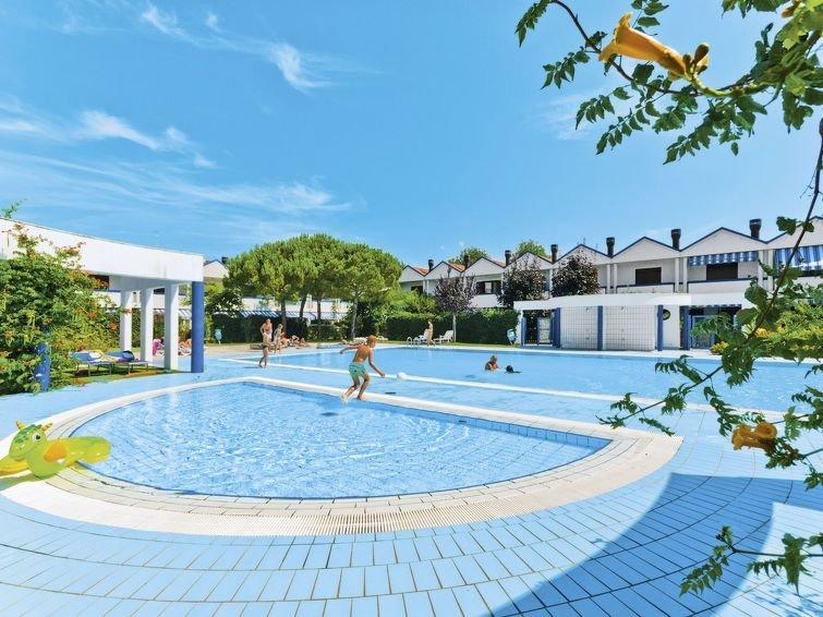 Apartment Villaggio Maja  in Bibione - Spiaggia, Adriatic Sea / Adria - 7 perso, vakantiewoning in Bibione Pineda