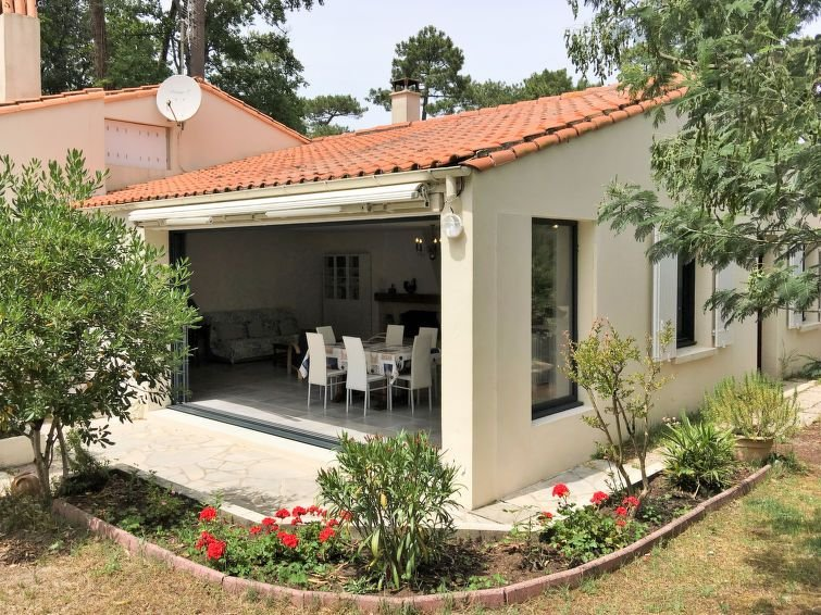 Vacation home in Ronce les Bains, Charente - Maritime - 6 persons, 2 bedrooms, vacation rental in La Tremblade
