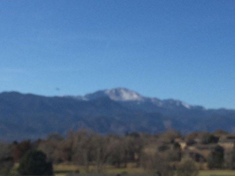 Pikes Peak & Incline Views, holiday rental in Cimarron Hills