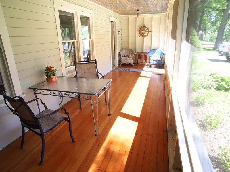 Cedar Point Vacation Home, vacation rental in Williams Bay