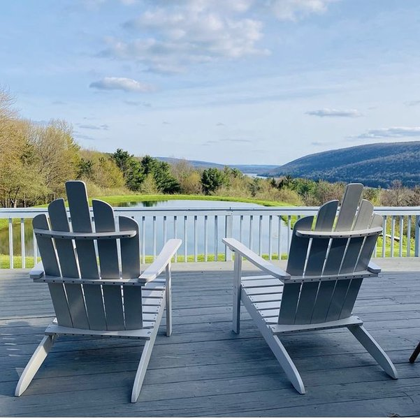 Queens View Fingerlakes ~ Work / School Remotely, vacation rental in Honeoye
