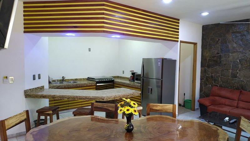 PALMAS DE CHAHUE 7 (1,100 SF), holiday rental in Santa Maria Huatulco