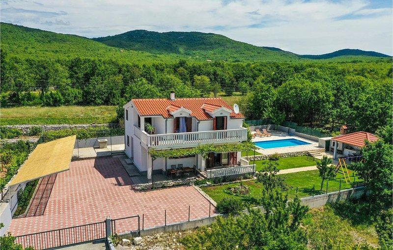 5 Zimmer Unterkunft in Blato Na Cetini, holiday rental in Cista Provo