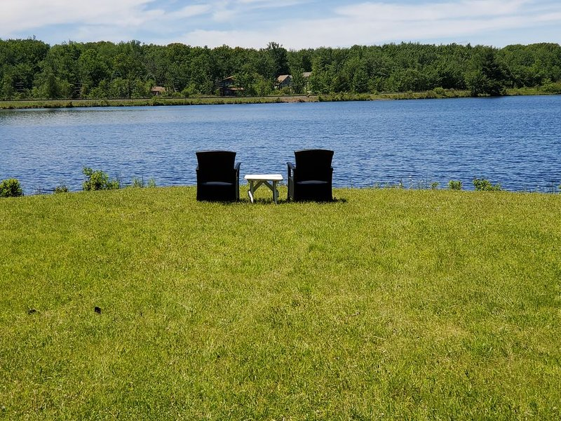 Ultimate Lakeside Vista II, vacation rental in Pocono Summit