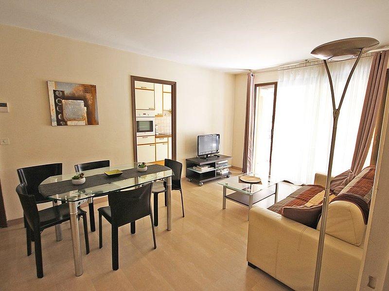 Eden Palace 3 pièces rue d'Antibes, Wifi Gratuit, Climatisation, parking fermé, holiday rental in Cannes
