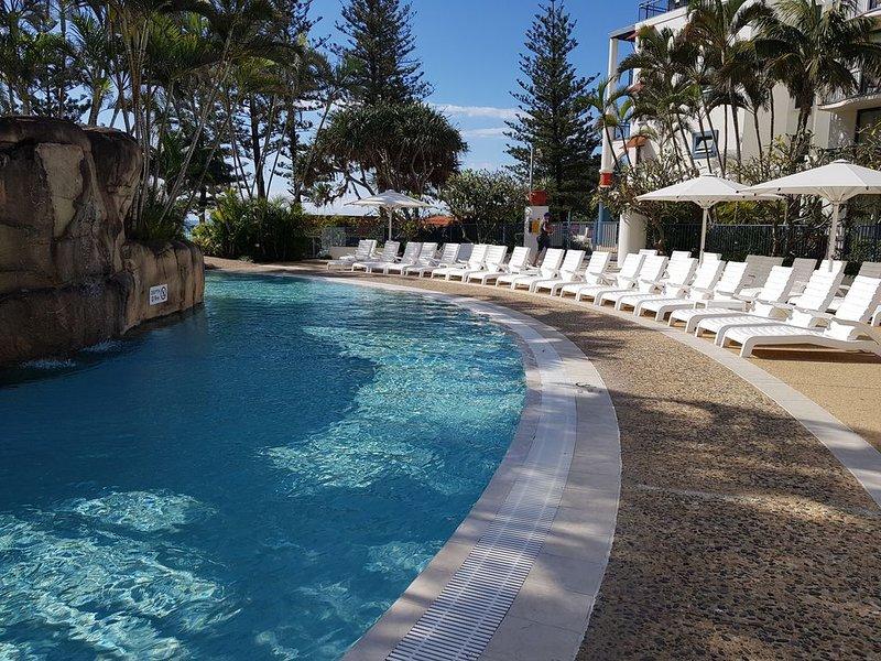 Calypso Plaza Resort 2 Units (121 & 123) 2 Bed 2 Bath Coolangatta Beach, holiday rental in Tweed Heads