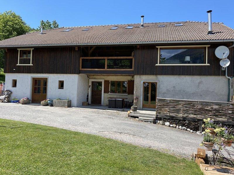 Maison du Bûcheron - Luxury Savoyarde renovated & barn conversion farmhouse., holiday rental in Vacheresse