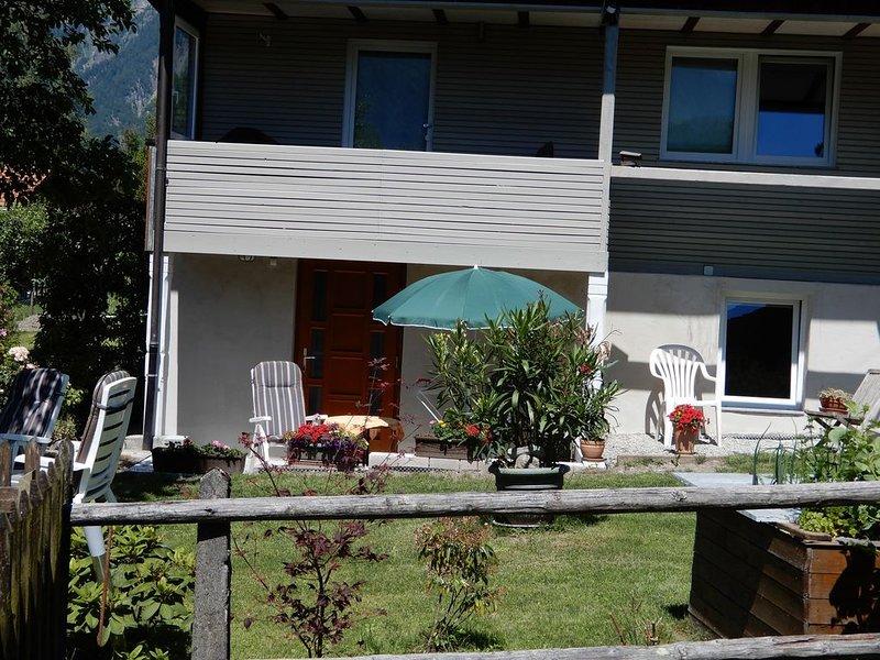 Sonnenblick 4 - wunderschöne Gartenwohnung Nähe Brienzer See, location de vacances à Giessbach