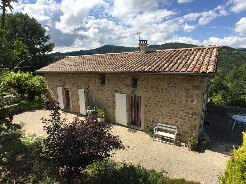 Maison au calme au coeur de l' Ardèche, holiday rental in Saint-Prix