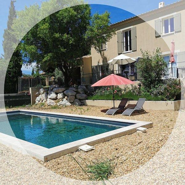 Gîte avec piscine Lauris, Ferienwohnung in Lauris