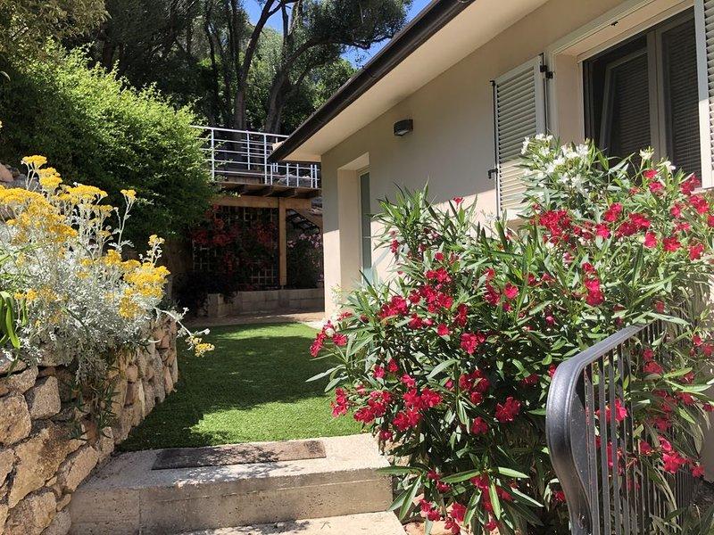 Appartement neuf vue sur mer avec terrasse, holiday rental in Levie