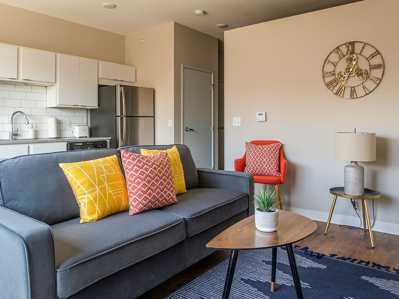 Modern and Bright 1BR Suite, casa vacanza a Ames