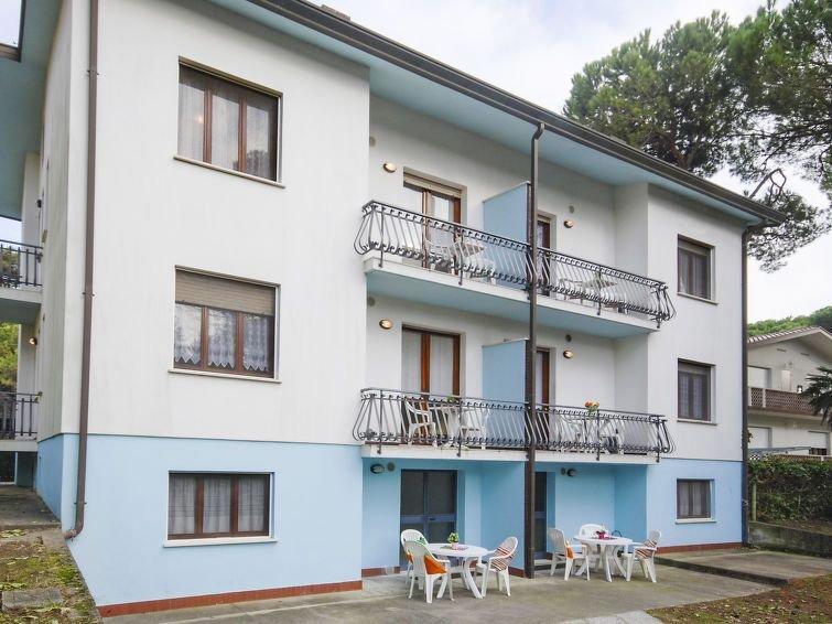 Ferienwohnung Villa Tiziano (LIG601) in Lignano Pineta - 4 Personen, 1 Schlafzim, holiday rental in Aprilia Marittima