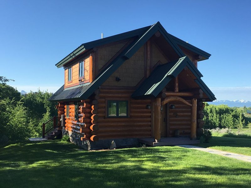 Beautiful, upscale & secluded Guest Cabin for the discerning traveler. – semesterbostad i Tetonia