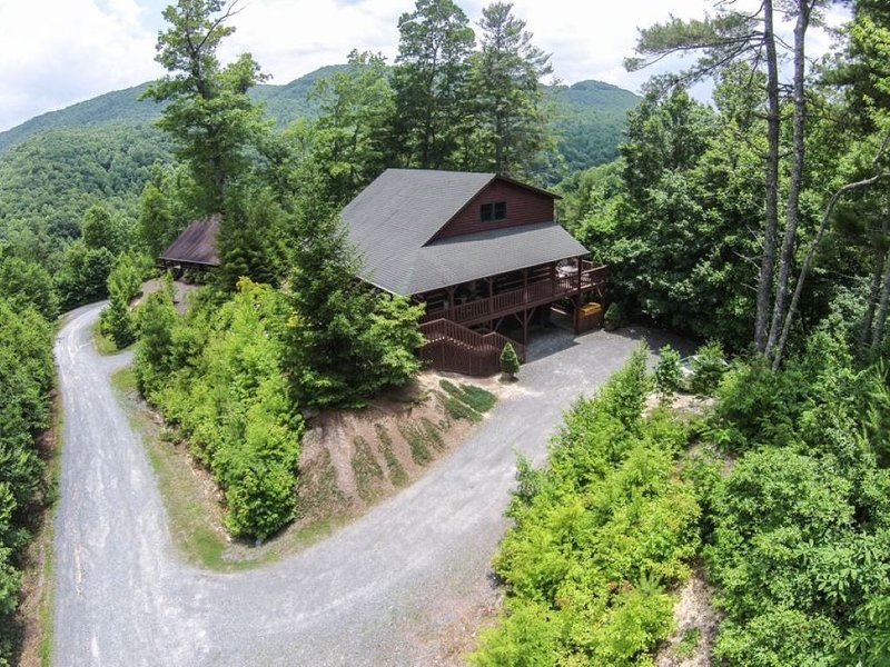 Lions Den- Luxury High Country Mountain Escape!, holiday rental in Vilas