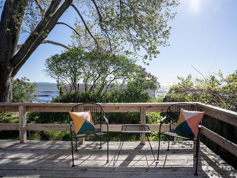 Park Point Sundrop Beach House Sleeps 10+, holiday rental in Duluth
