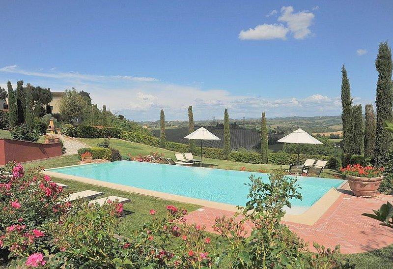 Casa Picea A, rimborso completo con voucher*: Un grazioso appartamento che è par, Ferienwohnung in Castelfiorentino