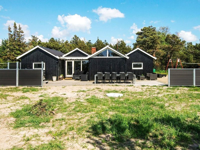 Cozy Holiday Home in Rømø with Swimming Pool, location de vacances à Toender