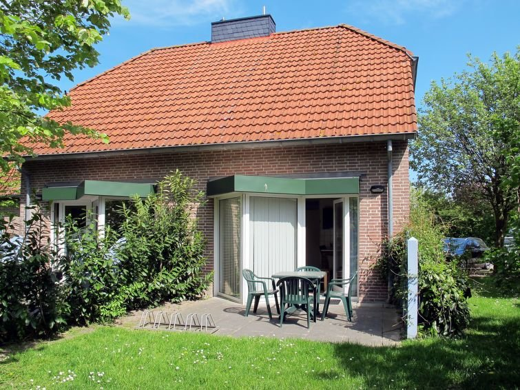 Vacation home in Tossens, North Sea: Lower Saxony - 4 persons, 2 bedrooms, holiday rental in Tossens