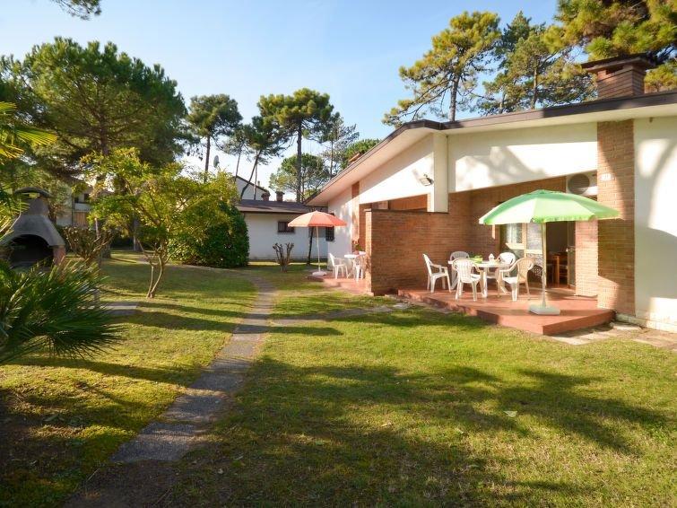 Ferienhaus Villaggio Giove (LIG640) in Lignano Pineta - 6 Personen, 2 Schlafzimm, alquiler vacacional en Province of Udine