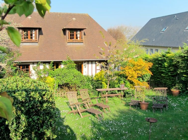 Vacation home in Deauville, Normandy / Normandie - 6 persons, 3 bedrooms, holiday rental in Bonneville-sur-Touques