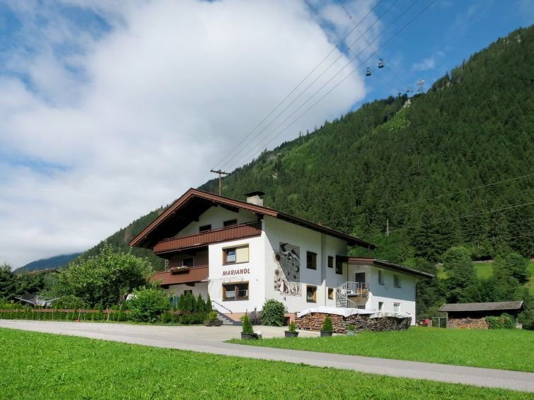 Vacation home Haus Mariandl  in Mayrhofen, Zillertal - 36 persons, 16 bedrooms, holiday rental in Astegg