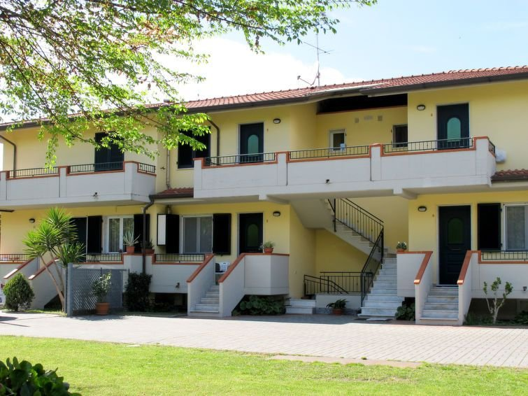 Ferienwohnung Anna (MAS310) in Marina di Massa - 5 Personen, 2 Schlafzimmer, alquiler de vacaciones en Marina Di Massa