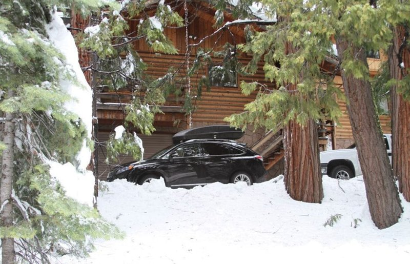 Log Cabin close to Pinecrest Lake & Dodge Ridge Ski Resort, vacation rental in Cold Springs